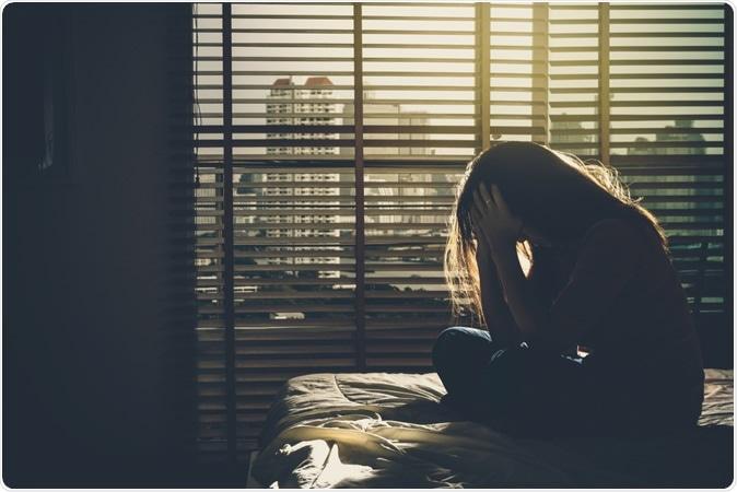 كيف تؤثر العزلة في الصحة النفسية - التباعد الاجتماعي - الشعور بالوحدة والعزلة - الاكتئاب والقلق والخرف - تدهور الوظائف العقلية