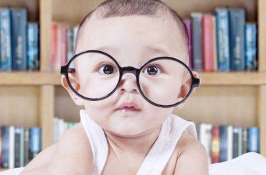 الأطفال بعمر سنة قادرون على التفكير منطقيًا - قد تكون البديهيات المنطقية مغروسة في عقولنا - الاستنتاجات المنطقية - سلم التطور المعرفي للطفل