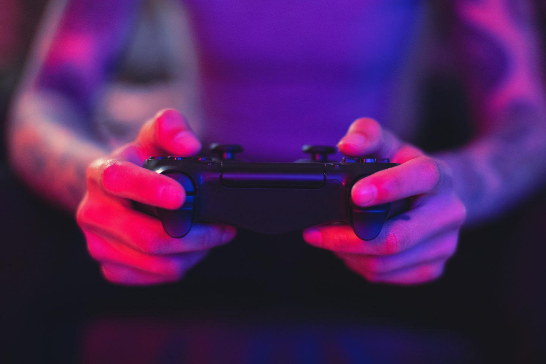 هل تؤثر ألعاب الفيديو العنيفة في الصحة العقلية للمراهقين؟