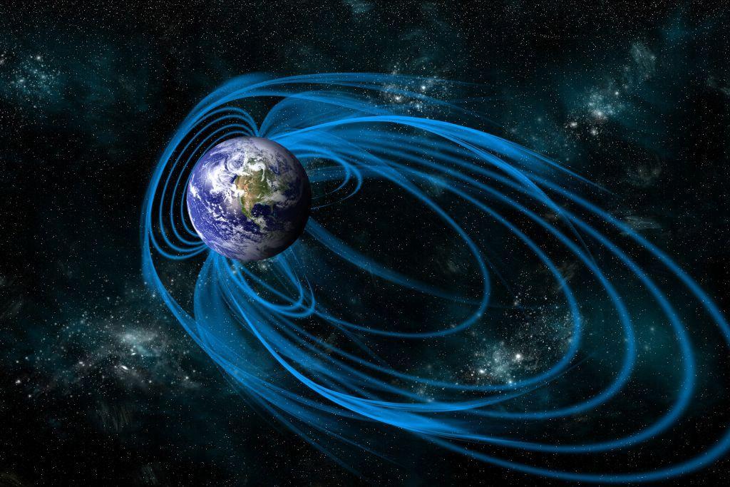 ظاهرة غامضة تضعف الحقل المغناطيسي للأرض