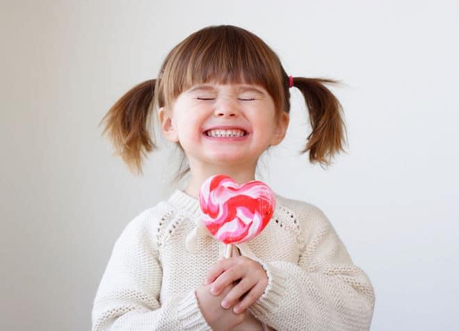 مغالطة: السكر يجعلُ الأطفال مُفرطي النّشاط