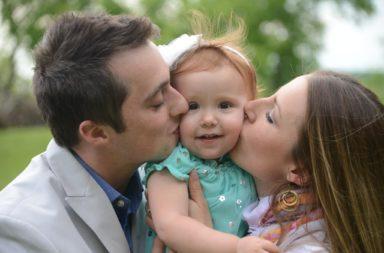 ماذا يحدث عندما يسيء الأهل معاملة أبنائهم بدلًا من تقديم الحب - أخذ الأطفال في رحلات والتحقق من تقدمهم الدراسي - تقديم الرعاية للأطفال