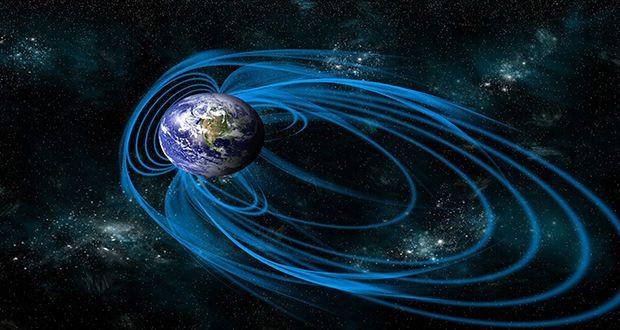 ما هو المجال المغناطيسي أو الحقل المغناطيسي للكرة الأرضية وكيف يحمي الأرض ؟