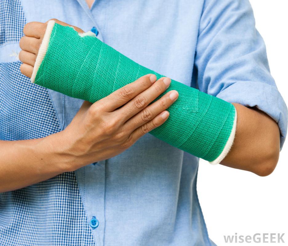 ما الذي يجب فعله عند التعرض لكسر في العظام؟