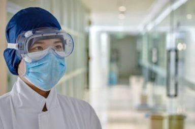 أخلاقيات الفيروسات: من الأحق بالحصول على جهاز التنفس - اتخاذ قرارات مصيرية مؤلمة في ظل جائحة فيروس كورونا - المصابون - الطاقم الطبي