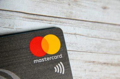 كيف تجني ماستر كارد الأموال؟شركة تقنية تمارس عملها ضمن قطاع أنظمة الدفع العالمية تربط عدة أطراف مثل المستهلكين والتجار والمؤسسات المالية وغيرهم