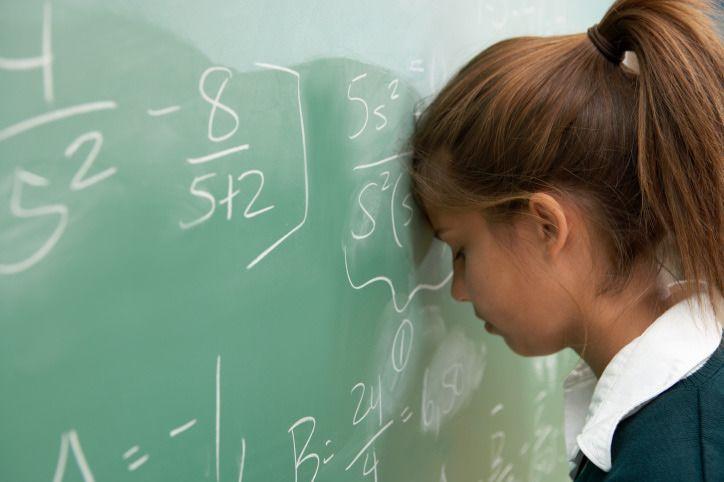 دماغ المرأة يجعلها سيئة في الفيزياء ، قالها فيزيائي وهكذا رد الخبراء عليه