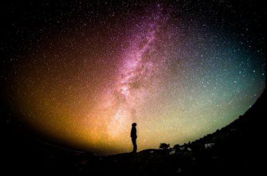 هل هناك شيء خارج حدود الكون؟ - ما الذي يكمن خلف الحدود المعروفة للكون؟ هل حجم الكون محدود أم لانهائي؟ ماذا يوجد خارج الكون؟