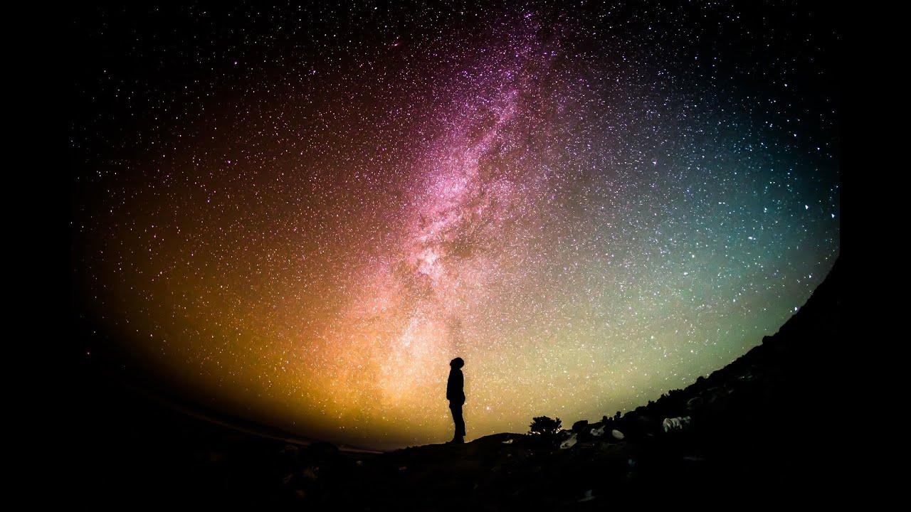 هل هناك شيء خارج حدود الكون ؟