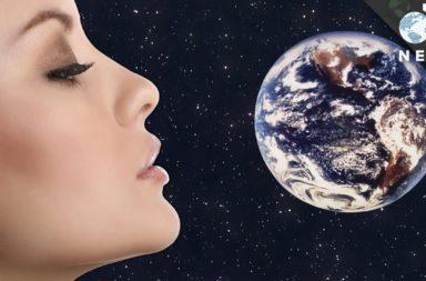 تشبه رائحة الحدود القصوى للفضاء -إلى حد كبير- رائحة سباق سيارات - ما هي رائحة الفضاء؟ مركبات كريهة الرائحة تسمى الهيدروكربونات العطرية متعددة الحلقات