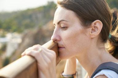 لماذا يتجنب البعض خدمات الصحة النفسية - الأسباب التي قد تجعل بعض الأشخاص يمتنعون عن رؤية طبيب أو معالج نفسي - الحصول على الرعاية النفسية