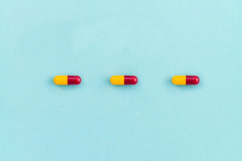 مترونيدازول: الاستخدامات والجرعات والتأثيرات الجانبية والتحذيرات