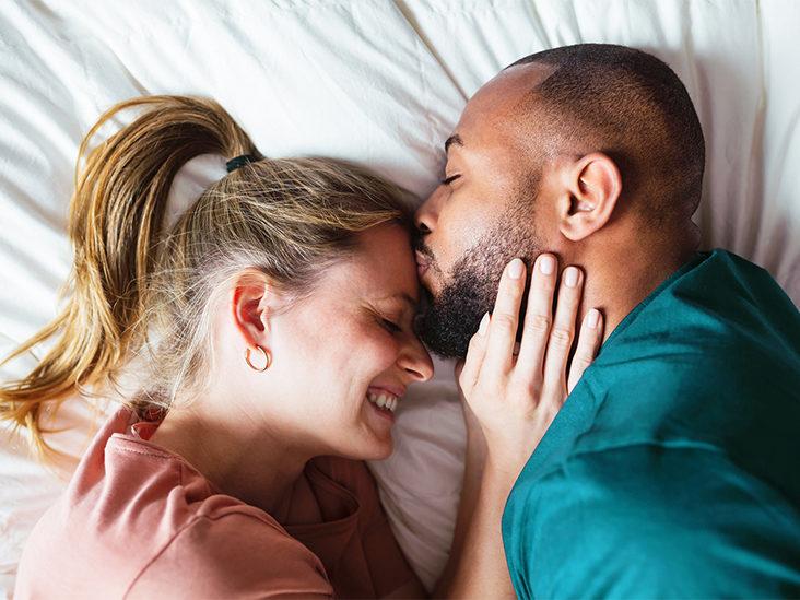 هل الزواج شرط أساسي لتحقيق السعادة؟