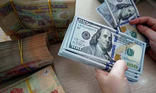 الدولرة: كيف أصبح الدولار المسيطر على الاقتصاد العالمي؟ - مزايا التخلي عن العملة المحلية والاستخدام الحصري للدولار الأمريكي - التعامل بالدولار