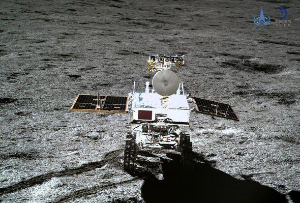 المسبار الصيني يعثر على مادة هلامية على الجانب الآخر من القمر