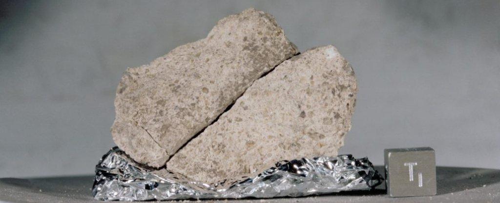 وجد العلماء طريقة لاستخراج المعلومات من حبة واحدة من الغبار القمري