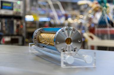 العلماء يتمكنون لأول مرة من حساب عمر النيوترون في الفضاء - مدى قدرة النيوترون على البقاء في الفضاء بمفرده دون عامل مساعد مثل النواة