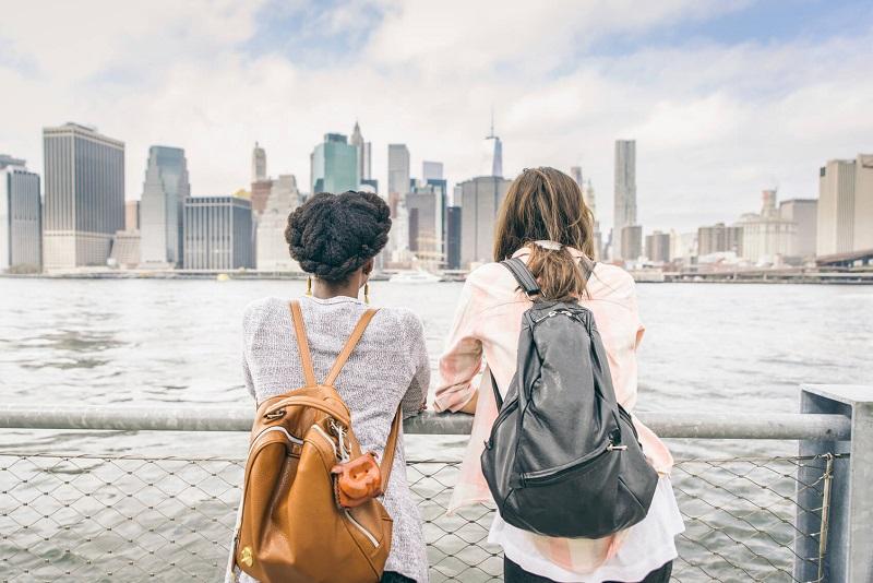 كيف نبني صداقات في مدينة جديدة؟
