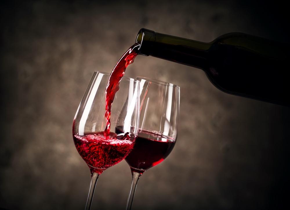 النبيذ يحمي من الشيخوخة