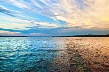 مصدر جديد للطاقة المتجددة يمكنه إنتاج الكهرباء من المياه المالحة إنتاج الطاقة النظيفة من مياه البحر توليد الكهرباء من المياه المالحة