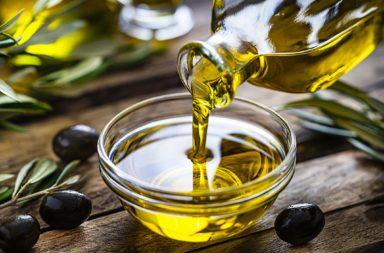 11 فائدةً صحية لزيت الزيتون موثقة بدراسات علمية - ما هو نوع زيت الزيتون الأفضل الذي يجب شراؤه؟ - زيت الزيتون والإصابة بأمراض القلب
