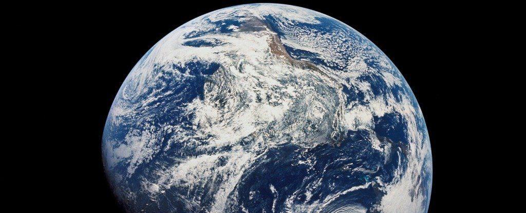 لا تمتلك الأرض أكبر كمية مياه في نظامنا الشمسي، فمن يمتلكها؟