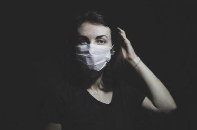 على النساء الحذر من ارتفاع ضغط الدم الناجم عن العزلة الاجتماعية - الصحة النفسية والجسدية لكبار السن - العزلة الاجتماعية تعرض النساء لارتفاع ضغط الدم