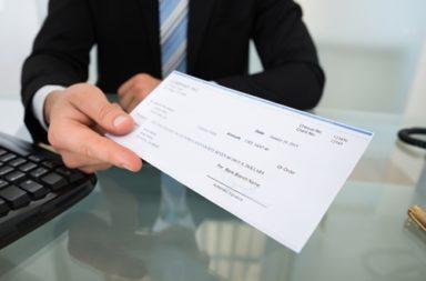 المعاملات الوهمية - الاستخدام الاحتيالي للأدوات المالية للحصول على رصيد إضافي غير قانوني - معاملات الشيكات الوهمية في البنوك