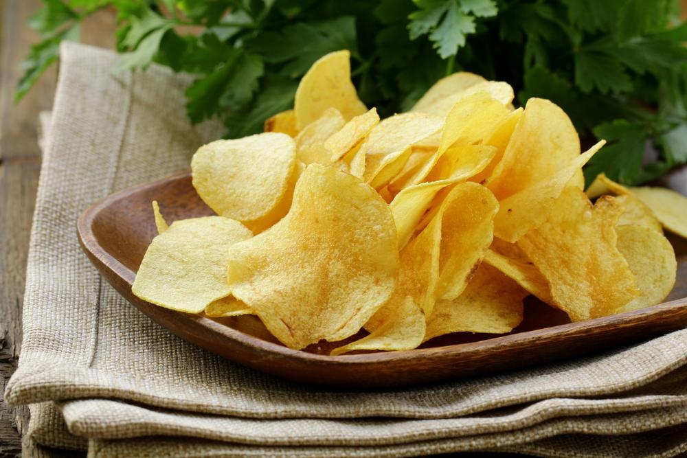 من مخترع رقائق البطاطس - ما هي القصة وراء اختراع رقائق البطاطس - كيف تم اختراع الشيبس - في أي بلد اخترع الشيبس - شيبس البطاطس