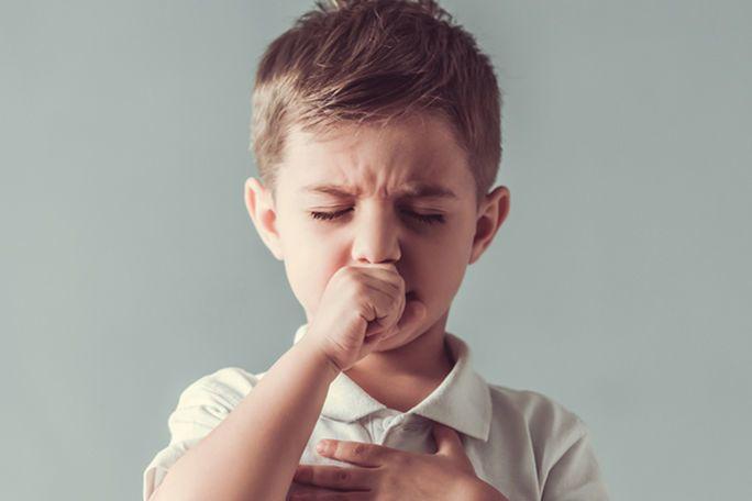 السعال الديكي أو الشاهوق: الأسباب والأعراض والتشخيص والعلاج