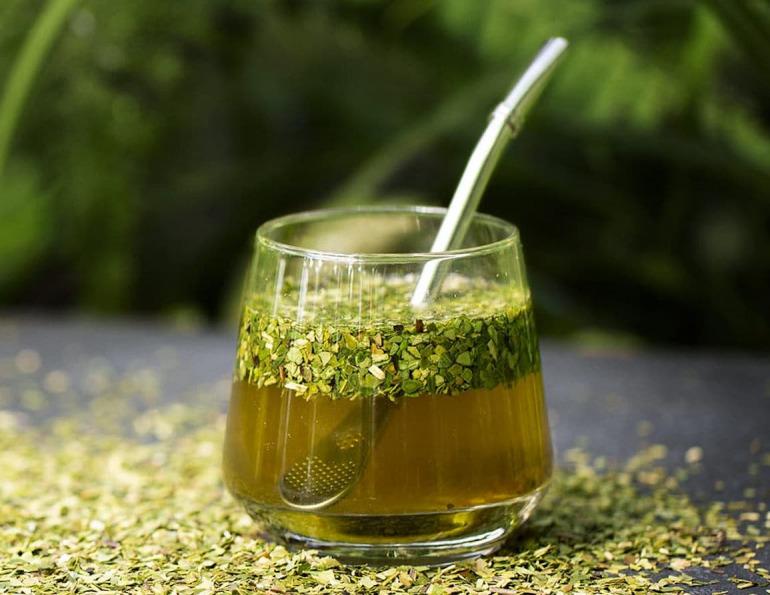 ثماني فوائد صحية لشرب المتة