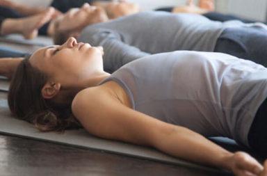 كيف يساعد استرخاء العضلات الدريجي في علاج أعراض أنماط معينة من الألم المزمن؟ ما هو استرخاء العضلات التدريجي وكيف تتم ممارسته؟
