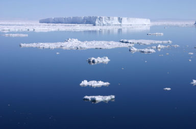 كيف ظهرت المياه على سطح الأرض ؟ كيف أصبح كوكبنا مغطى بالمحيطات والبحيرات والأنهار؟ كيف تشكلت المياه على سطح الأرض أو من أين جاءت؟