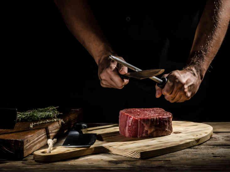 هل اللحوم مفيدة أم مضرة - المواد الغذائية المثيرة للجدل - أعضاء الحيوانات التي يحضرها البشر ويستهلكونها - المخاطر المحتملة لتناول اللّحوم - تناول اللحوم