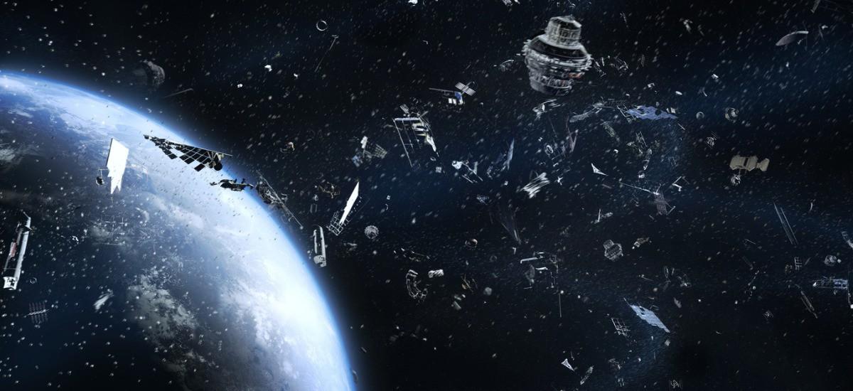 هل يحميك القانون حال سقوط مخلفات فضائية على منزلك؟ - يتساءل الناس دومًا عند سماع خبر سقوط مخلفات فضائية، هل كان من الممكن منع سقوطها؟