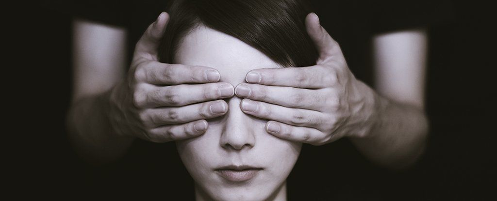 إصابتك بالعمى قد تحميك من الفصام !