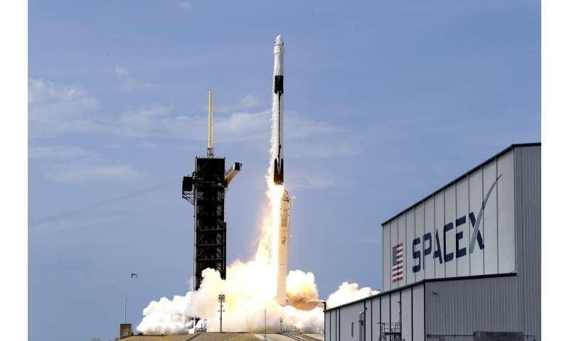 إنجازات الفضاء في 2020 نقطة مضيئة في عام مليء بالمواقف العصيبة - العمليات الفضائية التي خرج بها العلماء في العام 2020 - سبيس إكس