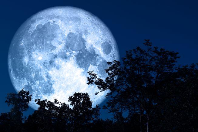 هل بإمكاننا أخيرا قياس سطوع القمر ؟!