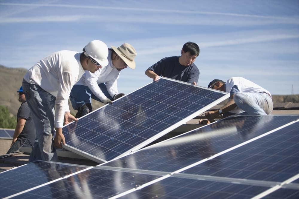 ألمانيا أنتجت نصف حاجتها من الطاقة باللوحات الشمسية