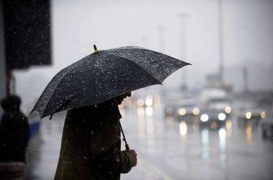 كيف يتشكل المطر لماذا يهطل المطر من السحاب الأمطار على الكواكب الأخرى هل مياه الأمطار نظيفة قطرات الماء السحب الغيوم السماء