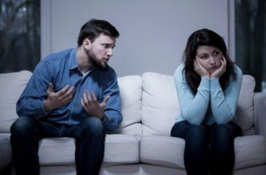 هل أنت فاشل عاطفيًا؟ والداك قد يكونان السبب! هل تعد التربية المتشددة سببًا في تكوين أنماط التعلق غير الآمنة لدى الشباب؟ مت هو التعلق التجنبي