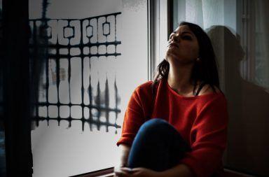 أسباب اضطراب الشخصية شبه الفصامي علاج اضطراب الشخصية شبه الفصامي الأعراض والأسباب والعلاج انفصام الشخصية الانعزال الاجتماعي