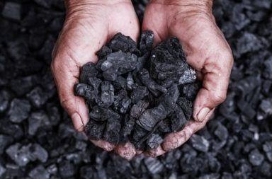 ما هو الفحم الحجري كيف يتكون الفحم الحجري التنقيب عن الفحم تحت الأرض احتراق الكربون مصدر الوقود اللازم لانتاج الكهرباء الطاقة الاحتراق