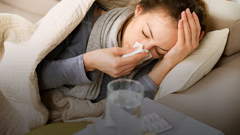 ما عليك فعله وتجنبه عندما تكون برفقة شخصٍ مريضٍ بالإنفلونزا؟