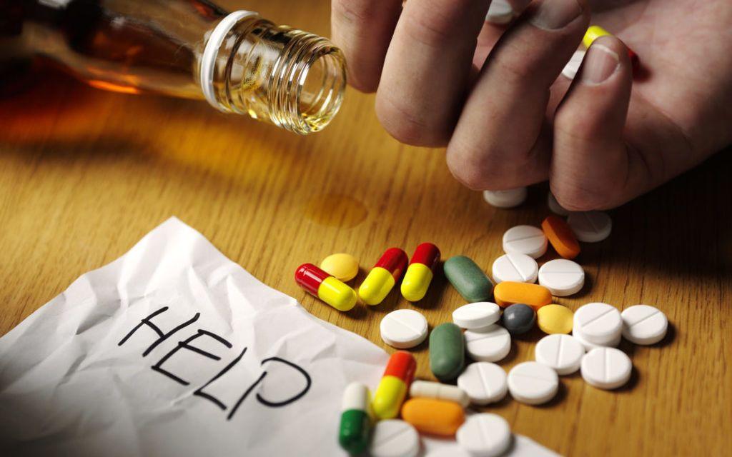 إدمان المخدرات: الأسباب والأعراض والتشخيص والعلاج