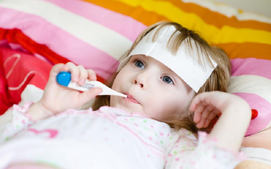 الحلقة الثامنة من سلسلة الإسعافات الأولية كيف تتعامل مع الحمى لدى الأطفال؟