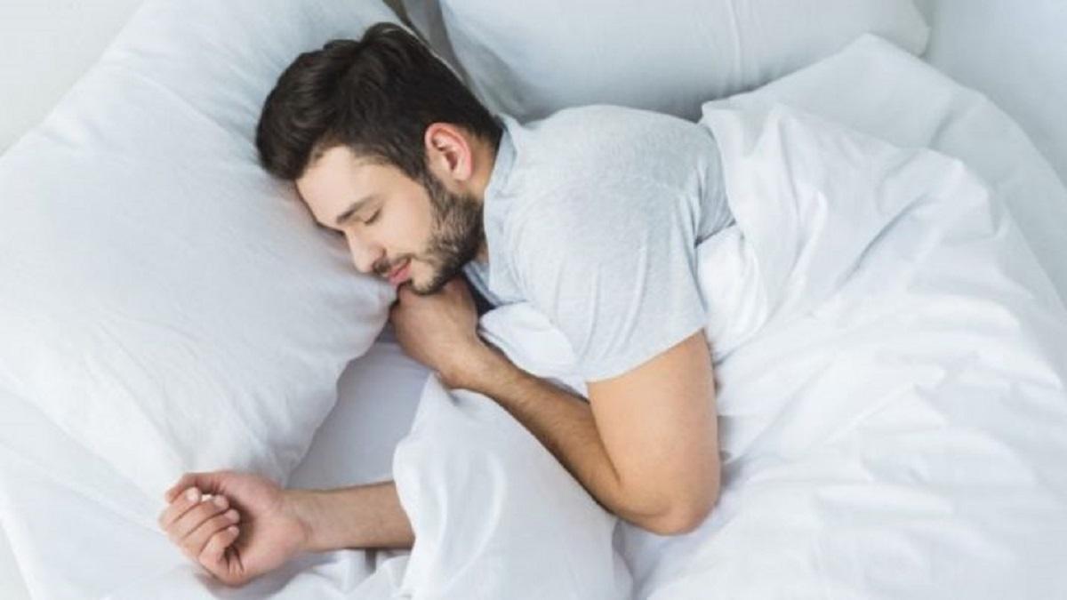 ما العامل الأهم في تحسين الصحة العقلية، النوم أم النظام الغذائي أم الرياضة؟