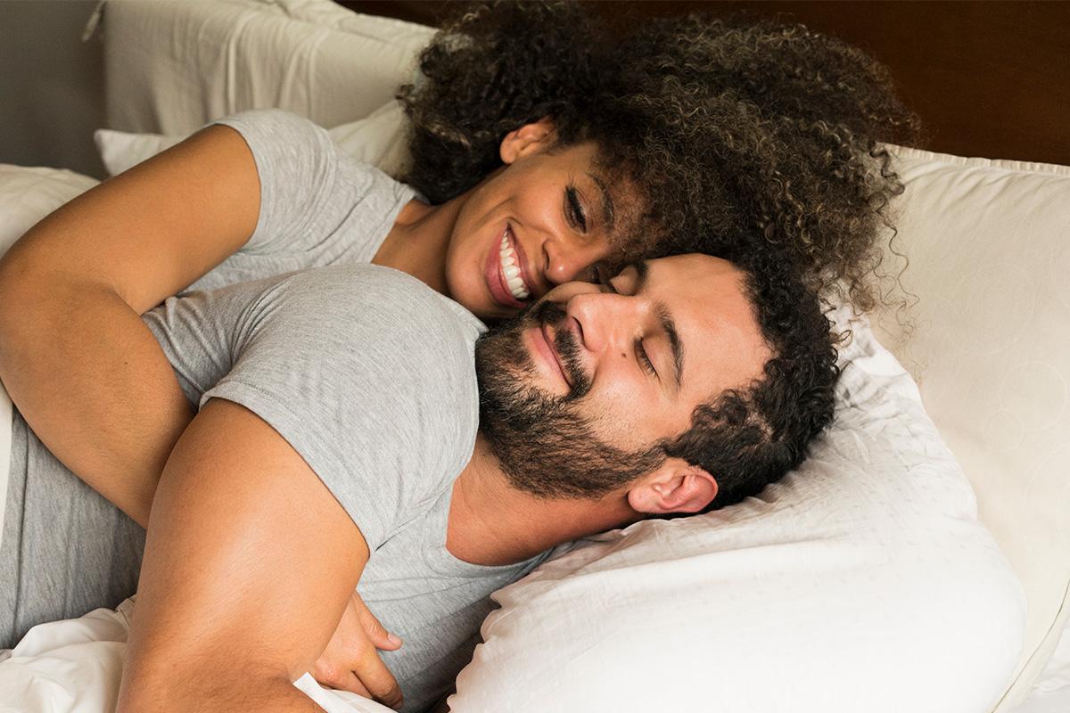 لماذا تزداد نسبة النساء اللاتي يعتبرن أنفسهن مغايرات جنسيًا - معرفة التوجه الجنسي للنساء - المثلية الجنسية والازدواجية الجنسية - الميولات الجنسية عند النساء