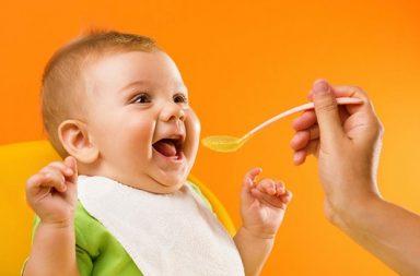 لماذا يُمنع الأطفال الرضع من تناول العسل - لماذا لا يجب على الأطفال الرضع أكل العسل - التسمم الغذائي حالة خطيرة - اضطراب في التنفس