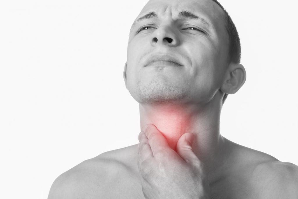 التهاب الحنجرة: الأسباب والأعراض والتشخيص والعلاج